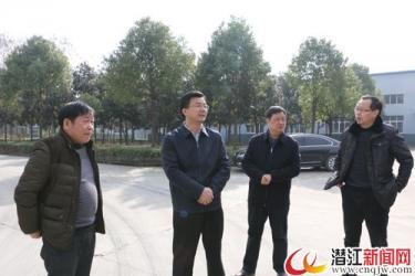 黄剑雄督导杨市办事处突出环境问题整治工作