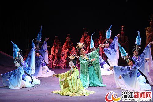 歌剧《楚庄王》惠民演出在曹禺大剧院上演