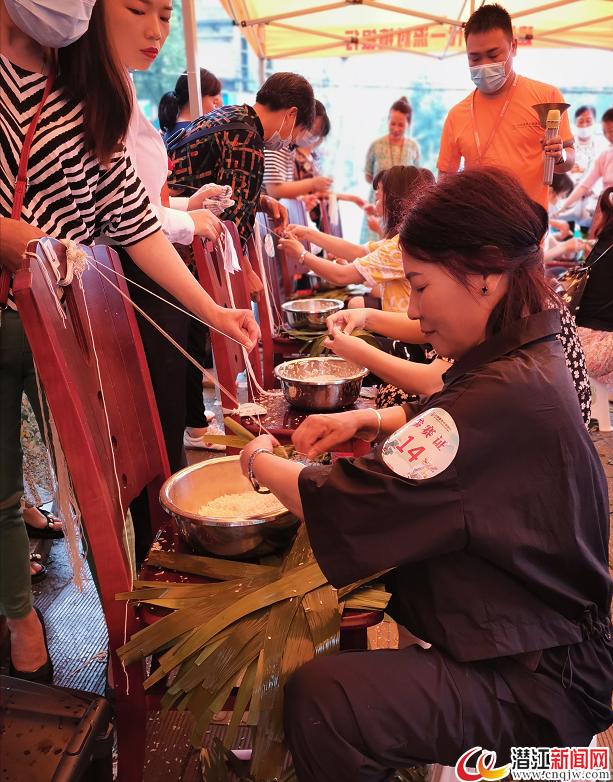 粽叶飘香迎端午 传统文化氛围浓